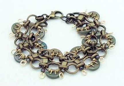 Cheerio Bracelet by Corey Milliren ©2021 Gold Wire, Czech Beads, Fire Polish Beads, Wire Work, Wire Wrapping, Wire Weaving