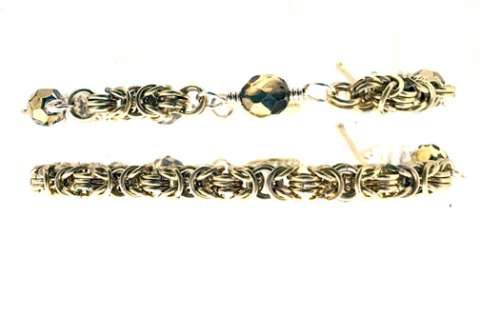 Gilded Bracelets by Corey Milliren ©2019 Class Taught Exclusively at Bead Jungle in Henderson Nevada, Wire work, Beads, Czech Glass, Gold Wire, Gold Findings