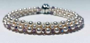Trangle by Valerie Catallozzi©2020, Right Angle Weave, Swarovski, Pearls, Bangle, Bead weaving class